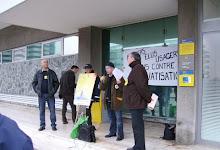 6 novembre 2008, devant la poste centrale de Créteil