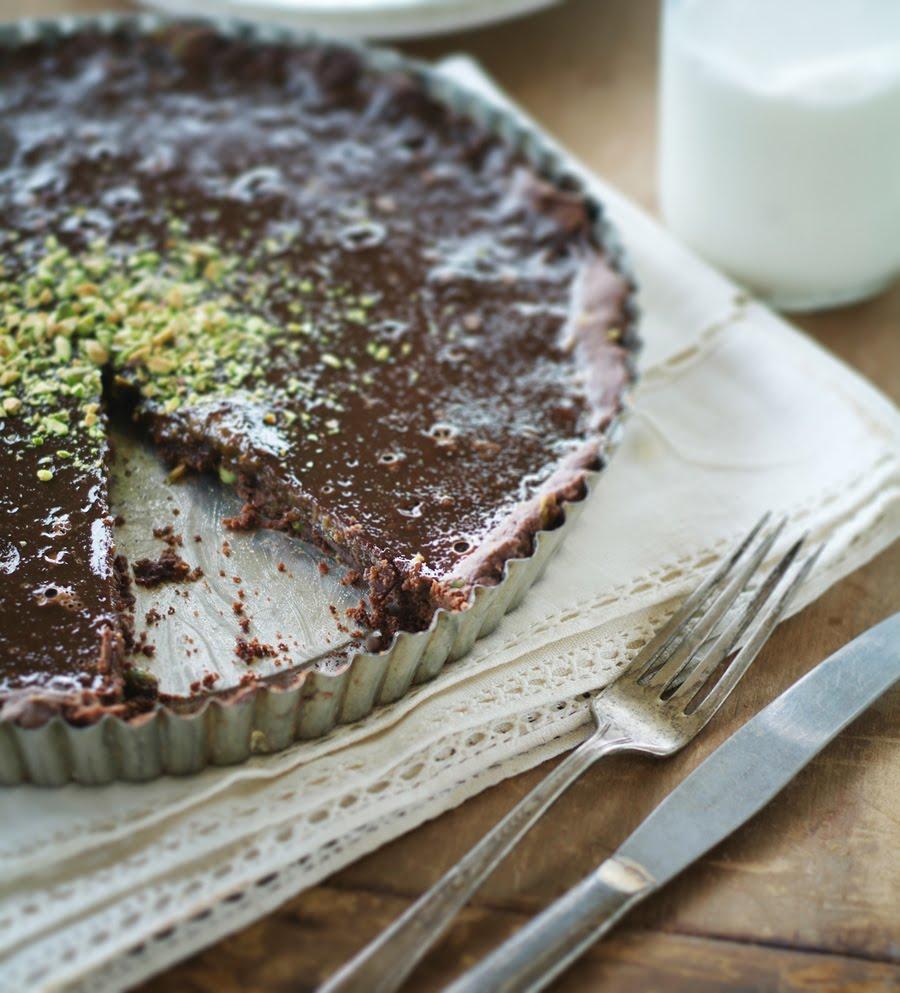 TINA CRESPO • PHOTOGRAPHY & STORIES: Milk Chocolate Pistachio Tart