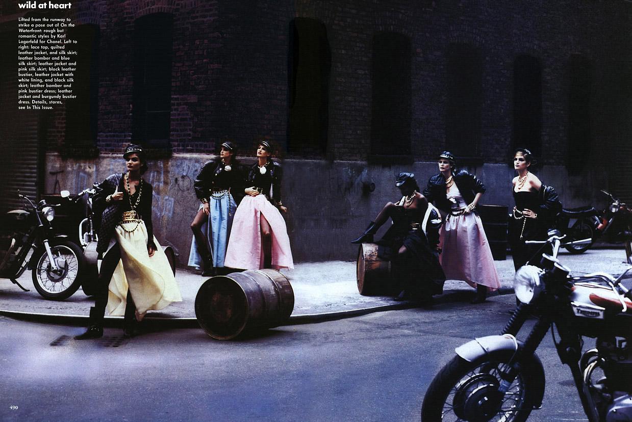 http://3.bp.blogspot.com/_bq6_cE4BJJQ/S8xiSEzI6eI/AAAAAAAAXxc/472bzp24ZFk/s1600/Peter+Lindbergh+%C3%97+Linda+Evangelista,+Cindy+Crawford,+Helena+Christensen,+Naomi+Campbell,+Claudia+Schiffer,+Tatjana+Patitz,+Karen+Mulder+-+Vogue+US+September+1991+-+WILD+AT+HEART+-+013.jpg