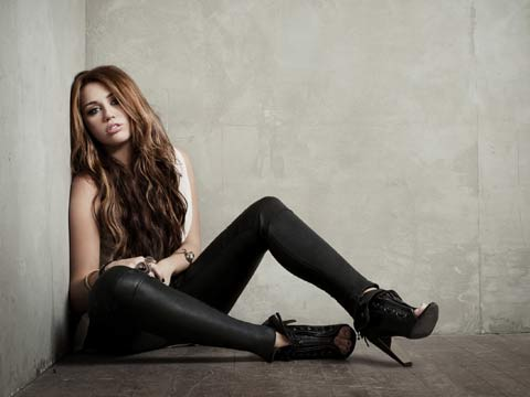 Miley Cyrus-Who owns my hearth