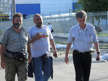 Discutii echipa de interventie Apele Romane, Galati, iulie 2010