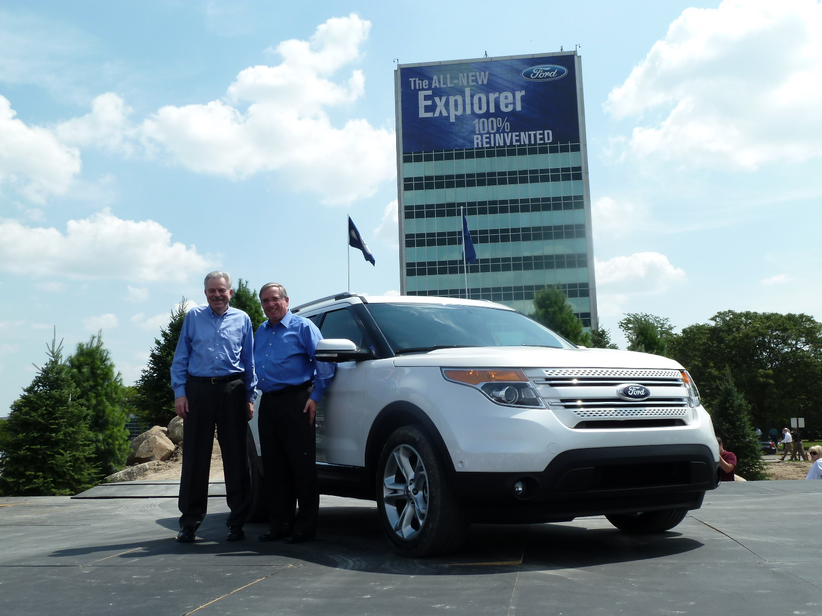 is my life review ford reveals the all new ford my photo of the 2011 ford explorer at the dearborn reveal 7 26 2010