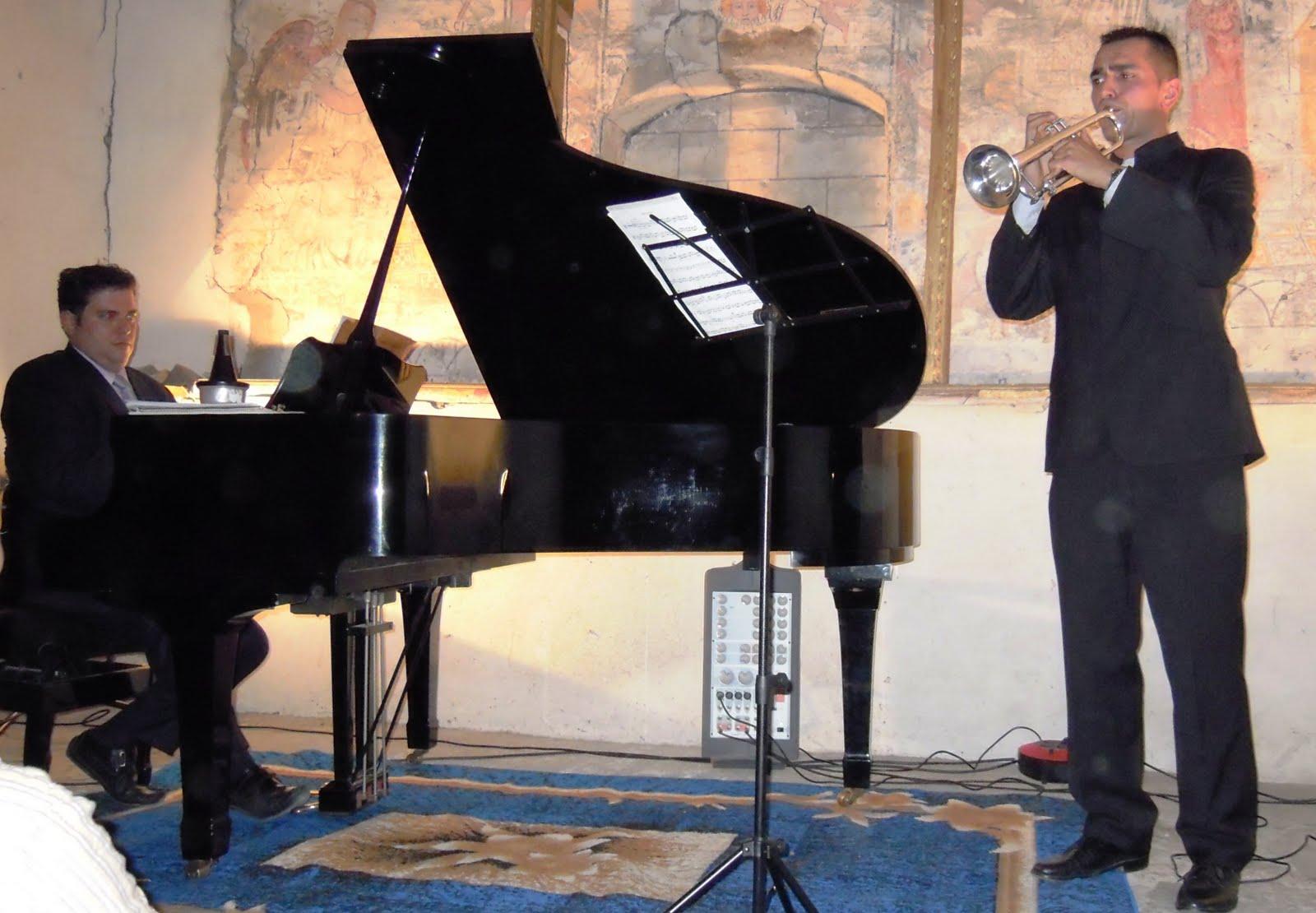 http://3.bp.blogspot.com/_bsn9mE--L7k/THtcr5z-kCI/AAAAAAAAAsw/8oUzjHBMBew/s1600/concierto_caboalles.JPG