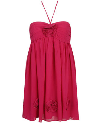 Below are some picture perfect eco-friendly Valentine's Day dresses,