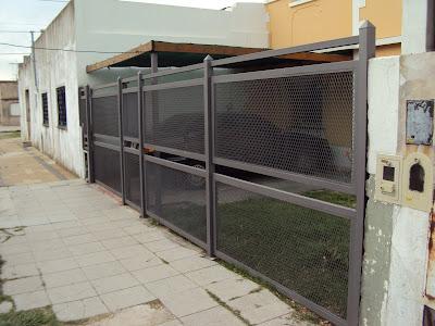 Eko metalurgica mas frentes de metal desplegado - Puertas para cocheras ...