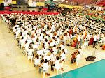 Dirigiendo la Orquesta y Coros