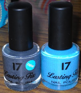 17 Nail Polish in Smoke Signal and Seabreeze