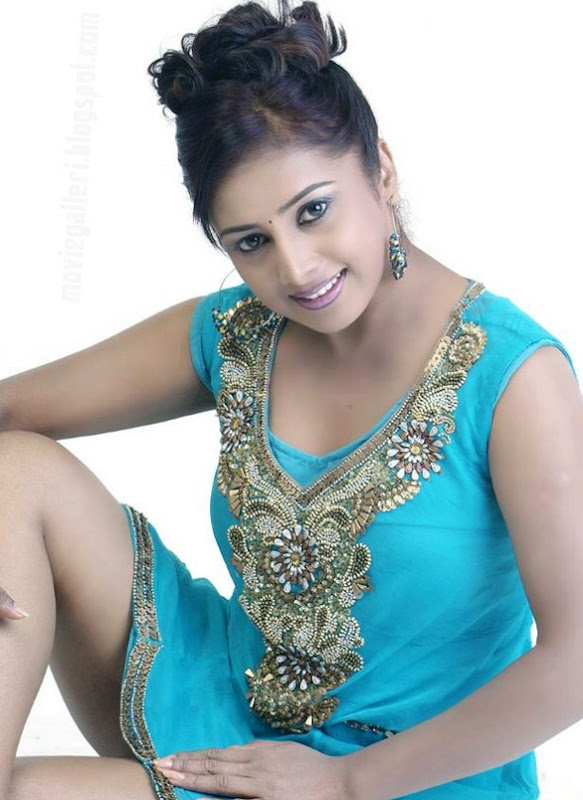 Gayathri Rajgopal Spicy Stills Photoshoot images
