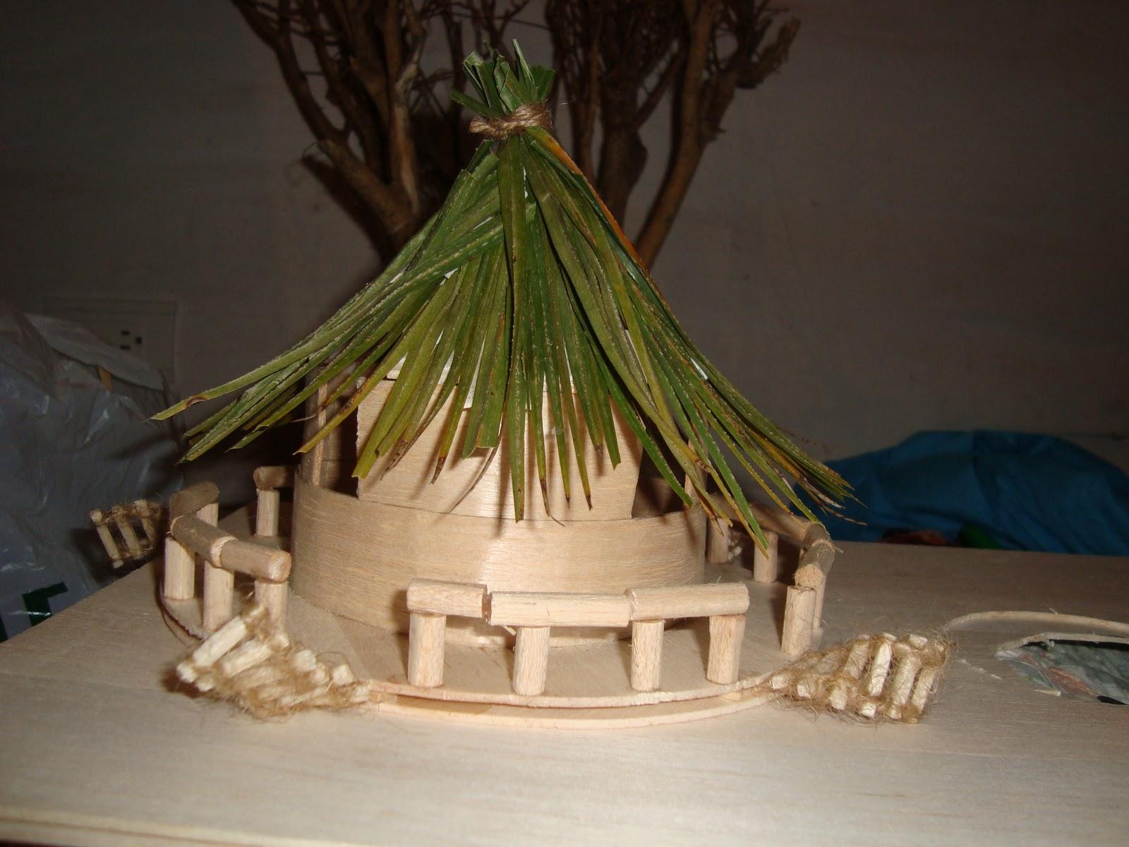 Pl stica y escultura anita sarabia maqueta casa del arbol for Partes del techo de una casa