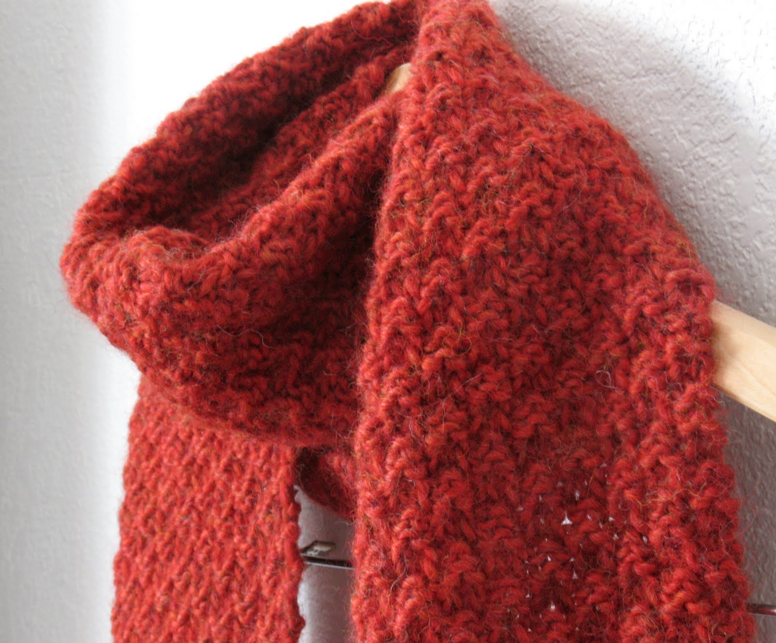 knit, too!: Red Scarf Project + a pattern!