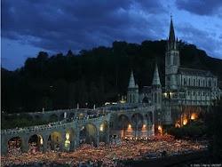 Procesion en el Santuario de Lourdes