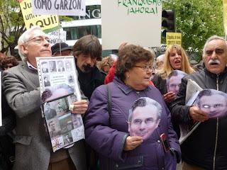 Cristina Almeida en un acto en apoyo del juez Baltasar Garzón