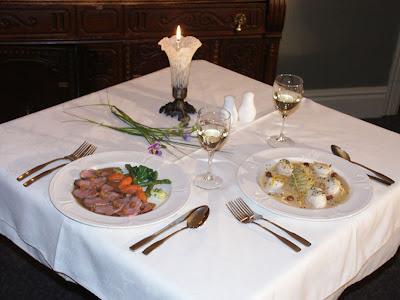 Arrumar mesa para almoço simples