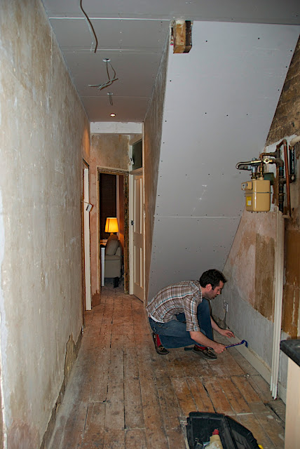 Mouse Hunting: Plastering and Decorating Ideas