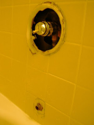 Home Repair Adventures: Delta shower faucet and tub spout--No hot water