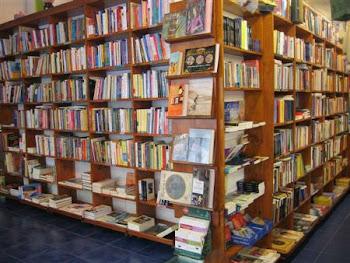 La verdadera universidad de hoy en día es una colección de libros.Thomas Carlyle
