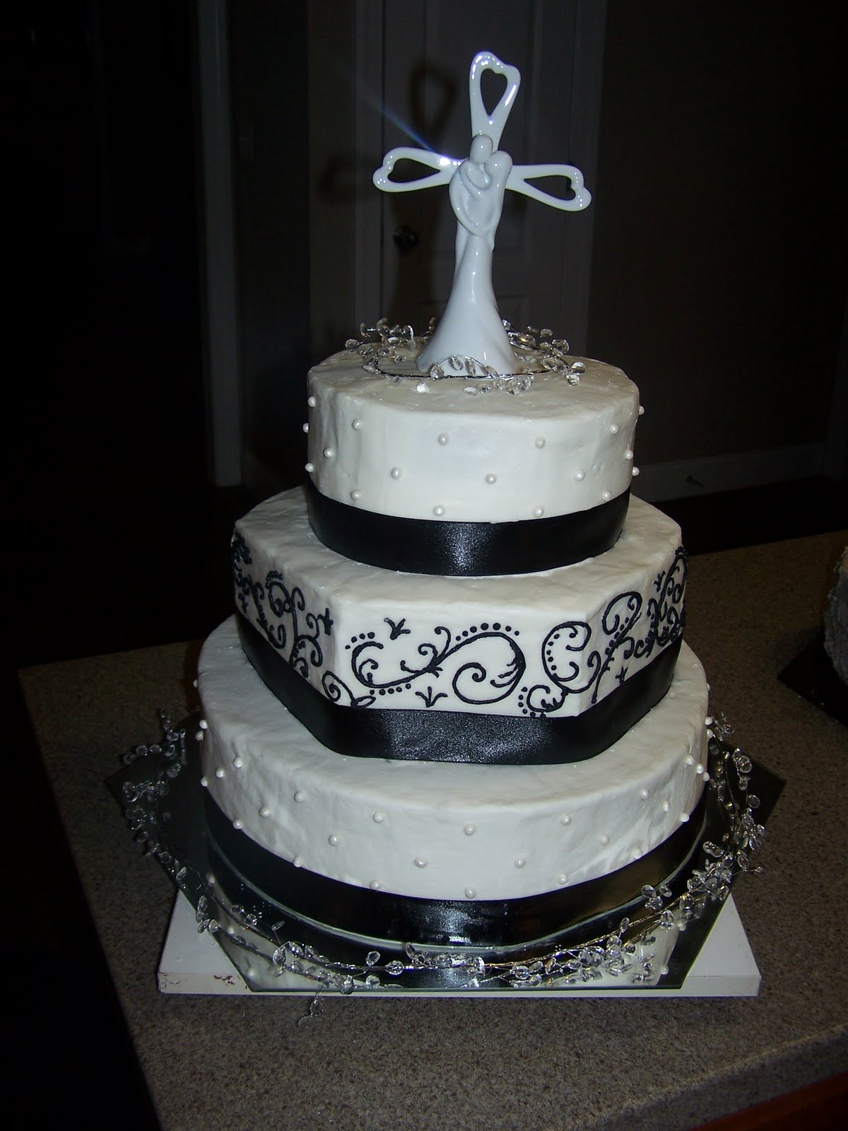 Creative Cakes N More Black and White Elegance Wedding Cake
