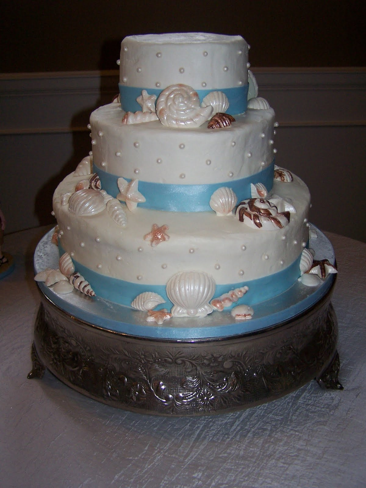 creative cakes n more beach theme wedding cake. Black Bedroom Furniture Sets. Home Design Ideas