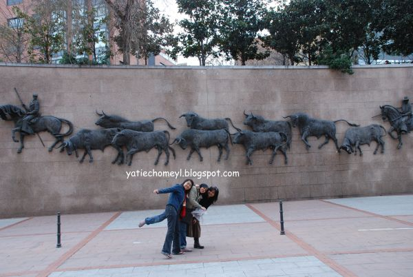 http://3.bp.blogspot.com/_c3es7FyunLI/S7vsI38qbBI/AAAAAAAAHNA/he-CI2jOmMA/s1600/Espana_Madrid_day_three+029.jpg