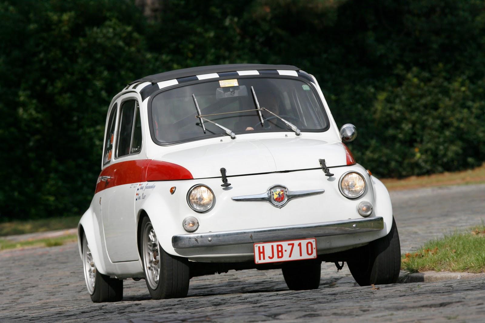 http://3.bp.blogspot.com/_c5aGOeESsa4/TQnjxn4ojQI/AAAAAAAAAOg/Bwako5yEOPs/s1600/Fiat_Abarth_695_SS.jpg