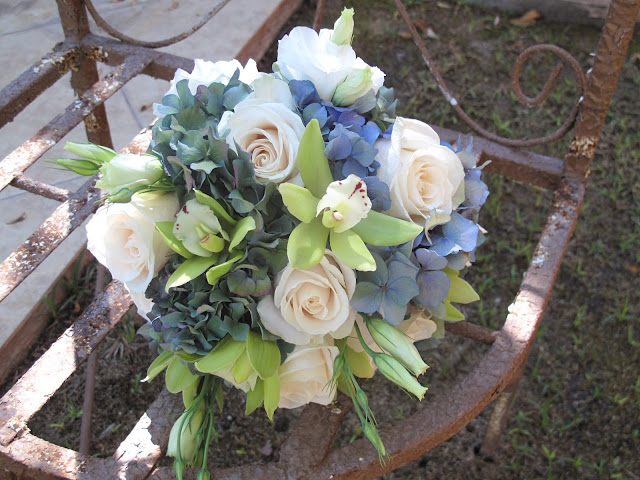 Antique Hydrangeas, Cymbidium Orchids, Vendella Roses and Lisianthus