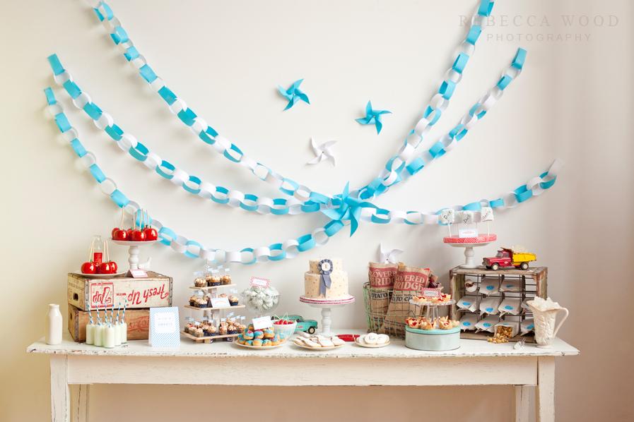 Украшения стола на день рождения ребенка 1 год своими руками