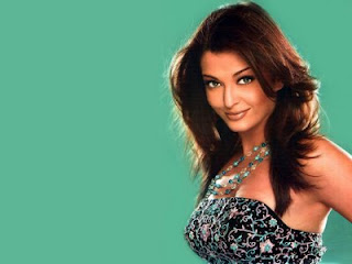 hot desi aunty aishwarya hot cleavage show