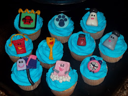 Close up of Blues Clues cupcakes