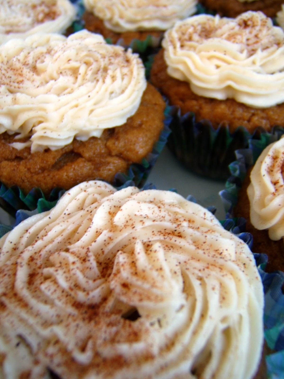 ... : Ginger-Pumpkin Cupcakes with Maple-Vanilla Buttercream Frosting
