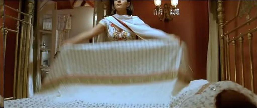 Chill Bollywood Beauty Kajol S Tits Pops Up
