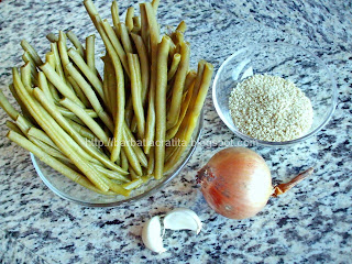 Fasole verde cu usturoi si susan Ingrediente reteta