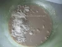Gogosi pufoase Preparare maia-plamada