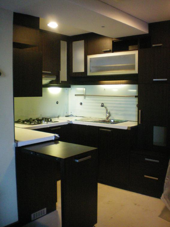 Interior design home interior apartemen for Kitchen set apartemen