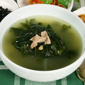Korean Seaweed Soup Ask a korean !: twisted (yet delicious ...
