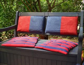heike s schneiderprospekt polster f r die blaue gartenbank. Black Bedroom Furniture Sets. Home Design Ideas