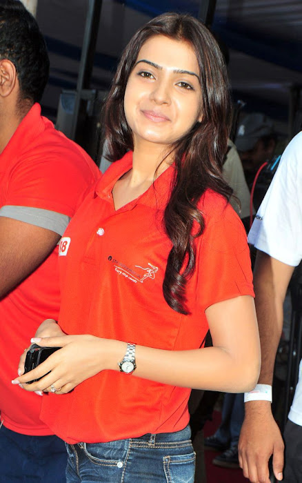 samantha new here cute stills