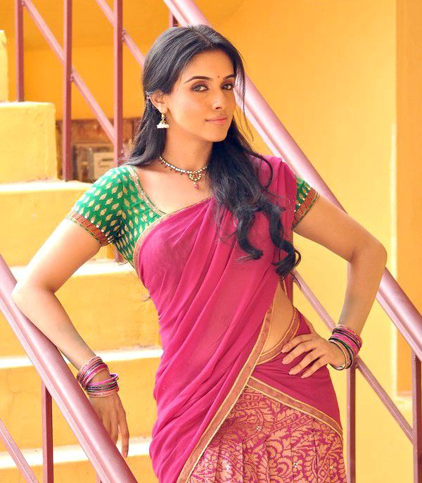 asin very beatiful looking actress pics