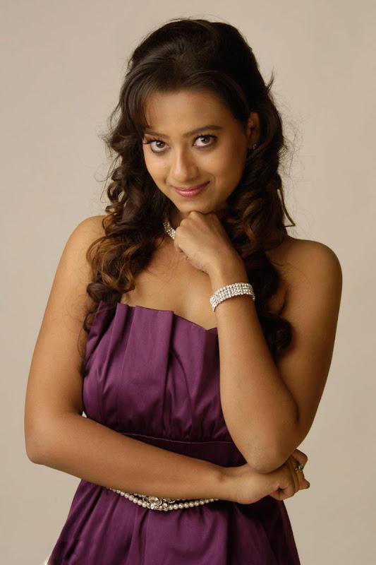 Madalasa Sharma Hot Photoshoot gallery navel show
