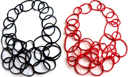 aros necklace black/red