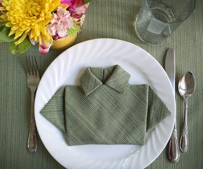 Napkin Folding One of my favorite nonwedding blogs is How about Orange