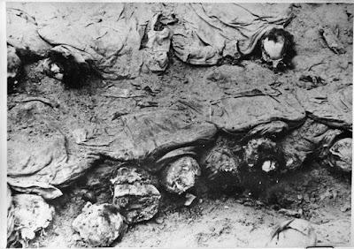 http://3.bp.blogspot.com/_cIzApUoKBXc/S75ivA7mt1I/AAAAAAAAABg/7KD2Npd5hFA/s1600/Katy%C5%84,_ekshumacja_ofiar.jpg