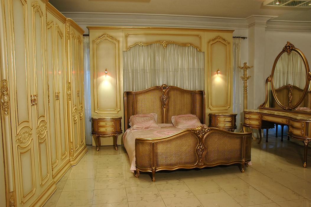antique italian classic furniture june 2010. Black Bedroom Furniture Sets. Home Design Ideas