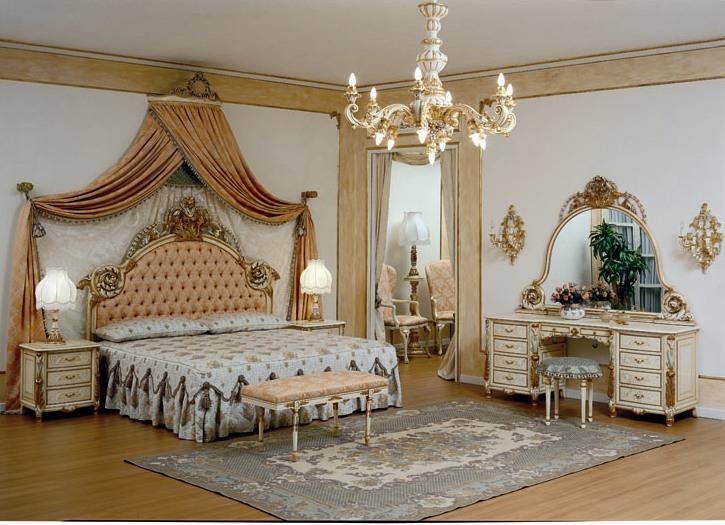 Antique italian classic furniture september 2010 for Antique bedroom designs