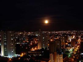 Noite em Cuiabá