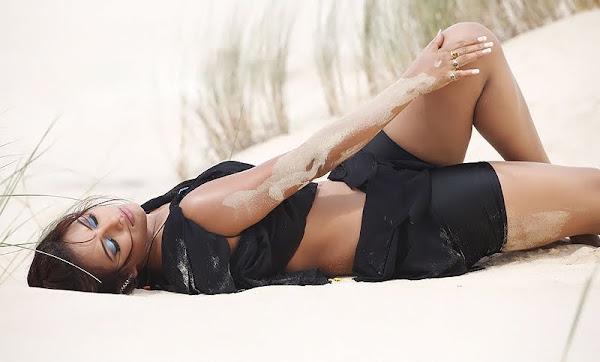 Neetu Chandra Spicy Pics big boobs show