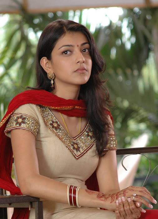 kajal agarwal looking from aarya actress pics
