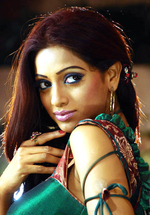 udaya bhanu from leader item song latest photos