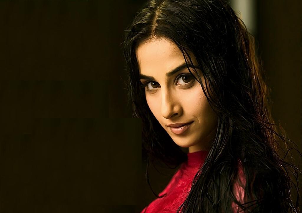 vidya balan hot. Bollywood Vidya Balan latest