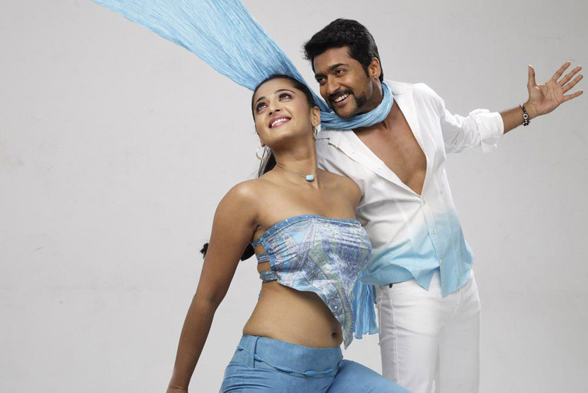anushka hot with surya in singam