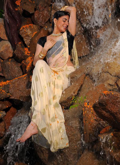 shraddha arya actress pics